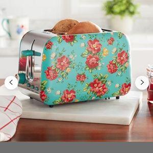 NIB Pioneer Woman Toaster
